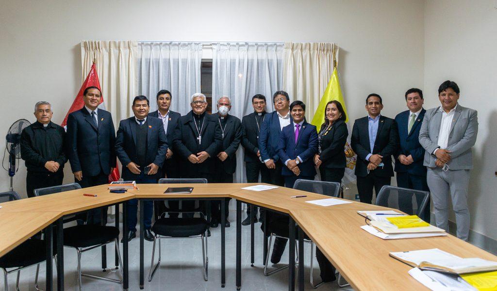 A través de una carta, congresistas del altiplano y regiones periféricas del Perú felicitan al Papa Francisco por su compromiso con la ecología integral y su labor a favor de los pueblos originarios